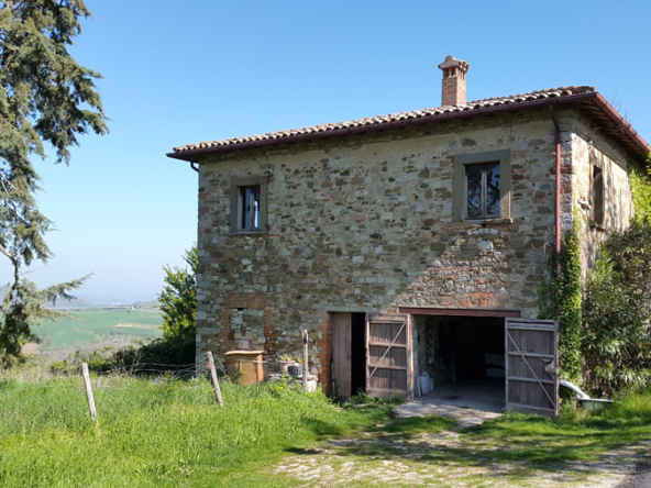 Side view house for sale in Umbria, Todi