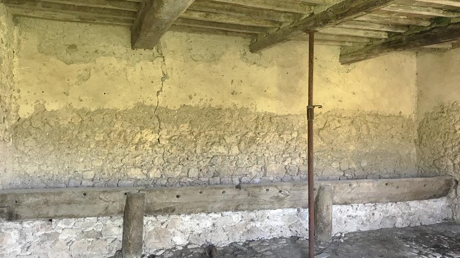Farmhouse to renovate for sale in Umbria.